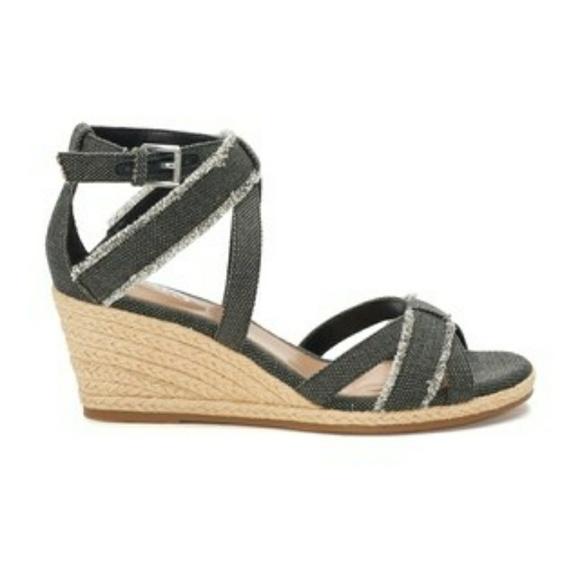 7e07d9013b7 NWT Chaps espadrille wedge sandal